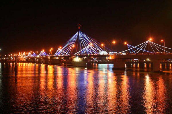 Cầu sông Hàn tại Đà Nẵng