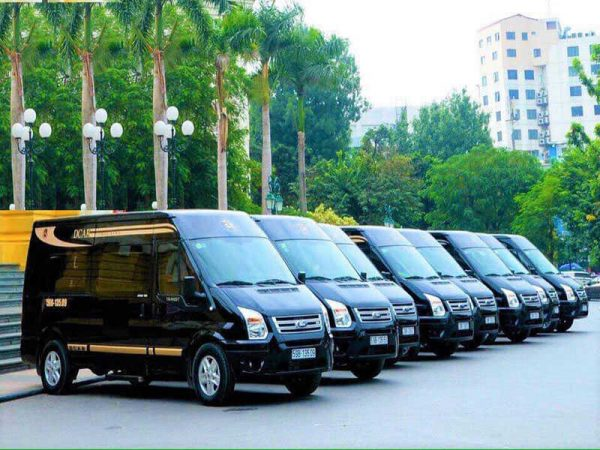 Thuê xe Limousine Dcar 9 - 19 chỗ ngồi (2018 - 2019)