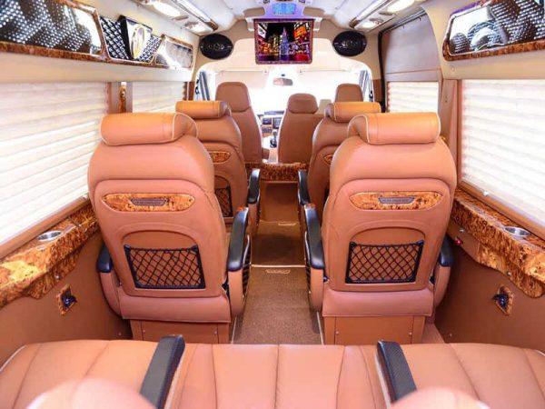 Thuê xe Limousine Dcar 9 chỗ ngồi (2018 - 2019)