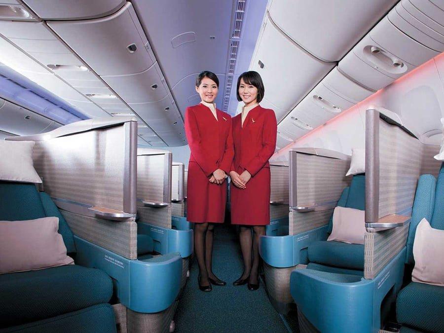 Cathay Pacific triển khai tặng Bảo Hiểm COVID-19 miễn phí